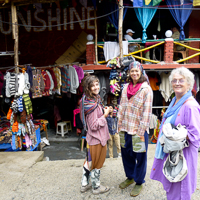 India 2013 The Story - Old Manali - Shopping with Jacqui, Pippa and Tara.